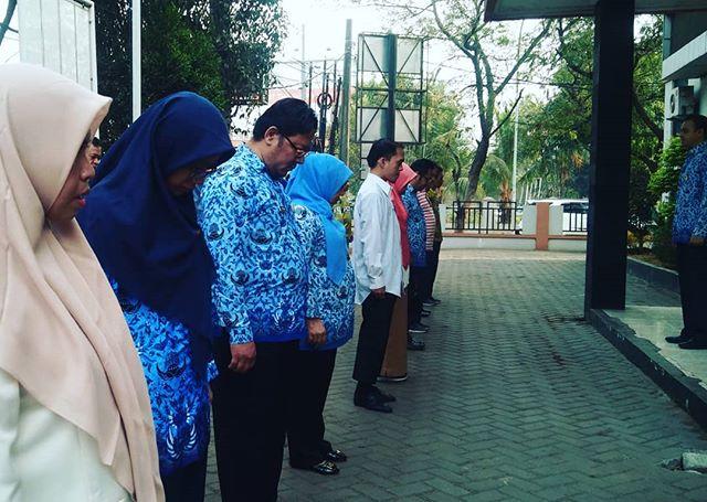 Melaksanakan Apel Pagi dalam rangka Upacara hari kesadaran Nasional seluruh setaf ASN dan Non ASN di Lingkup Dinas Tenaga Kerja Kota Bekasi, 17 September 2019