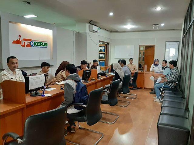 Pelayanan pembuatan kartu AK.1/Kartu kuning secara langsung di kantor Dinas Tenaga Kerja Kota Bekasi,tgl. 18 September 2019
